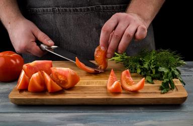 Zucchini cuộn với cà chua và pho mát (4)
